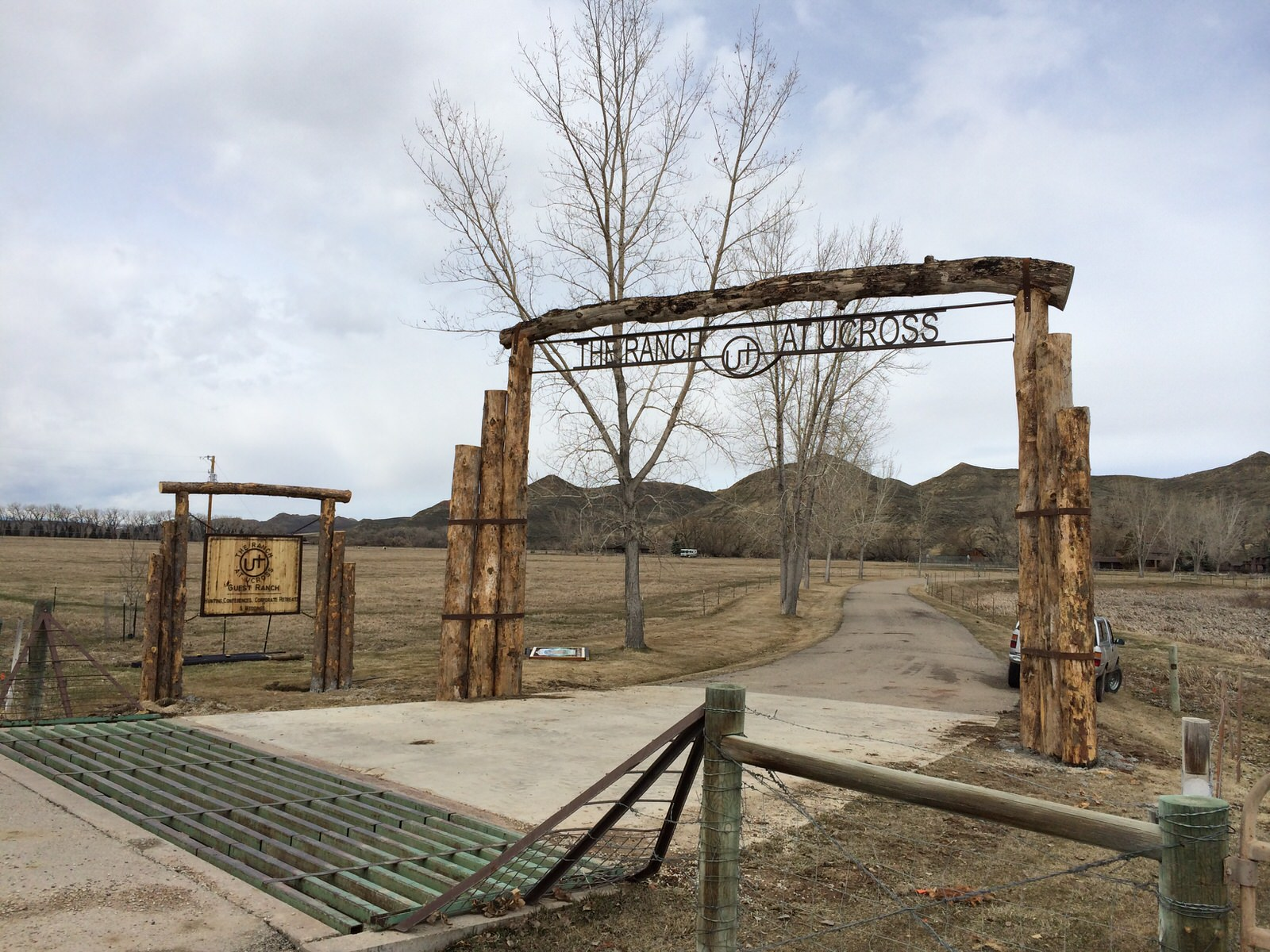 Guest Ranch Custom Entrance Frontier Iron Works