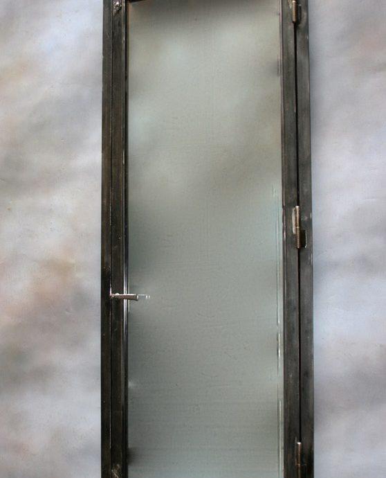 wine-cellar-door_2