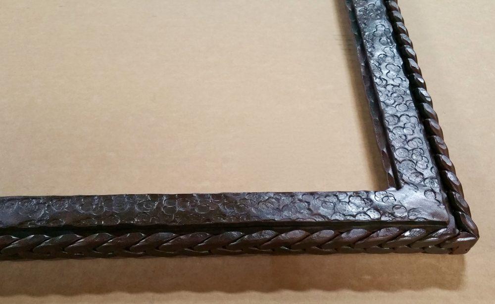 Big Horn Hammered Mirror Detail3
